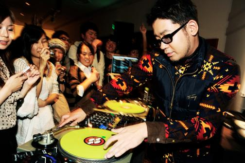 th_DJ Fumiya_20121110_party_bddf_5316_.jpg